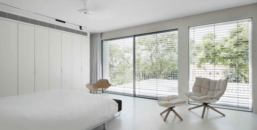 An Aluminum Vested Home by Studio de Lange (9)