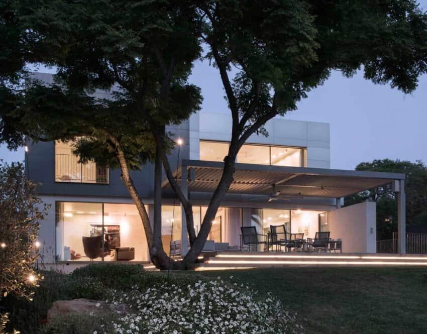 An Aluminum Vested Home by Studio de Lange (12)