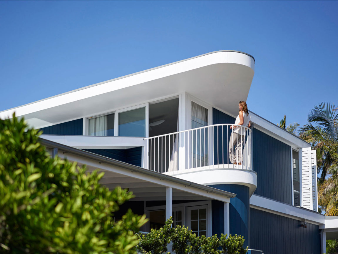 Beach House on Stilts by Luigi Rosselli Architects (4)