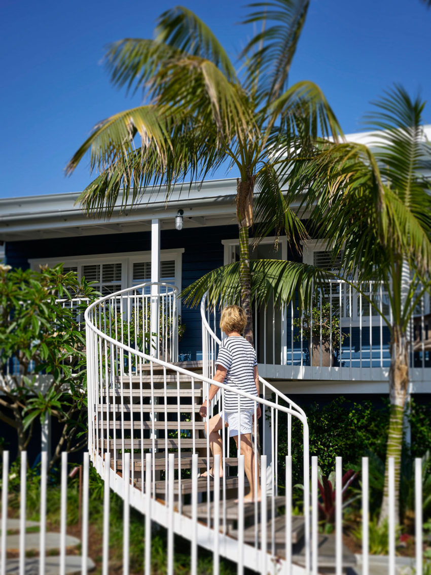 Beach House on Stilts by Luigi Rosselli Architects (5)