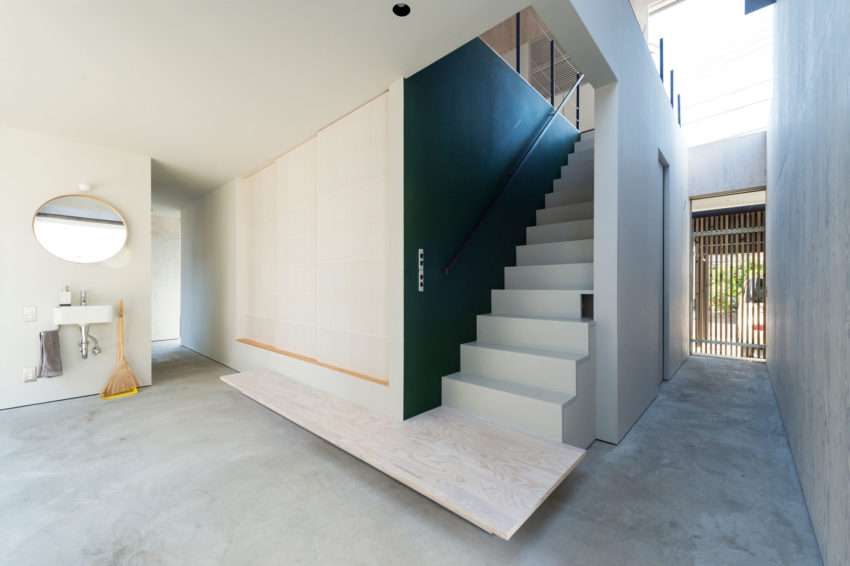 GO-BANG! House by Takeru Shoji Architects (1)