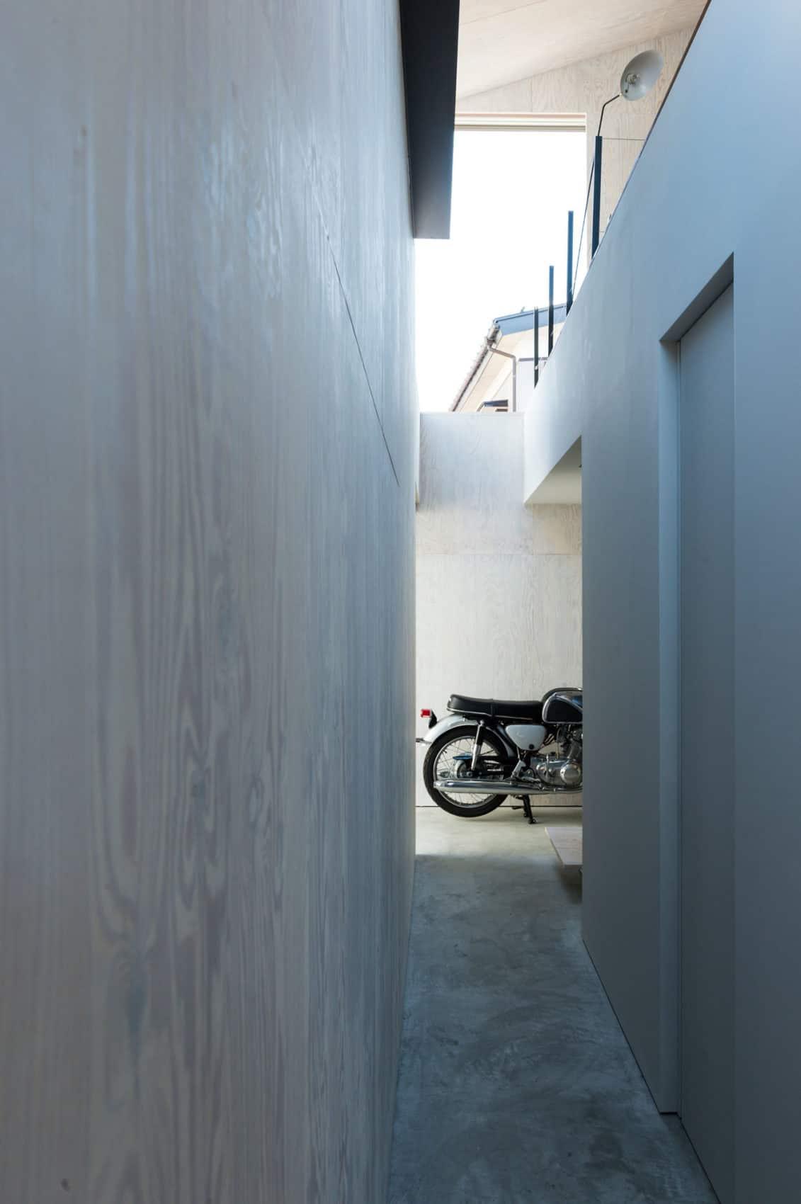 GO-BANG! House by Takeru Shoji Architects (3)
