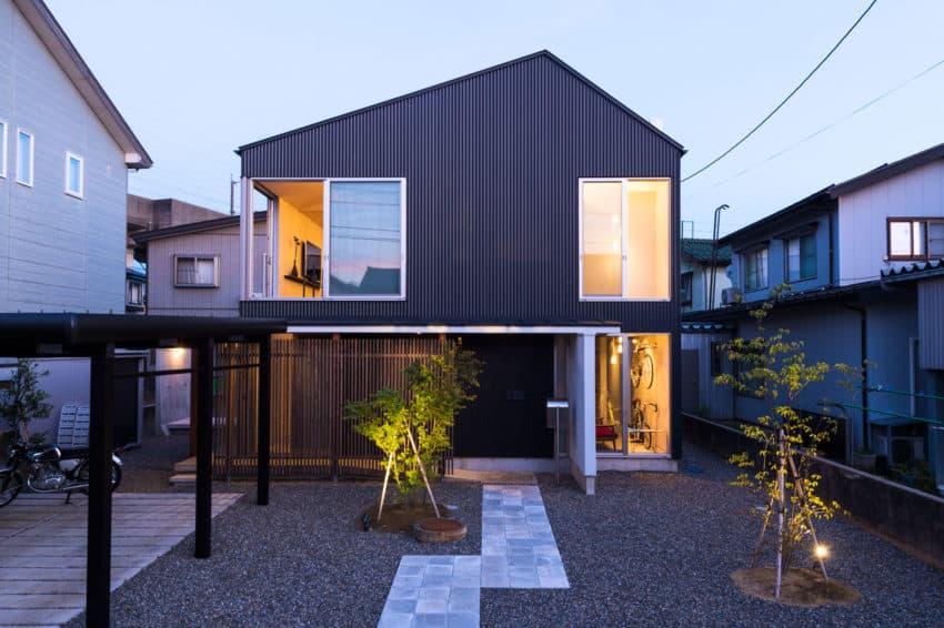 GO-BANG! House by Takeru Shoji Architects (11)