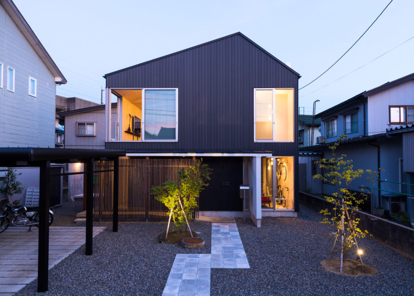 GO-BANG! House by Takeru Shoji Architects (11)