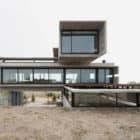 Golf House by Luciano Kruk Arquitectos (3)