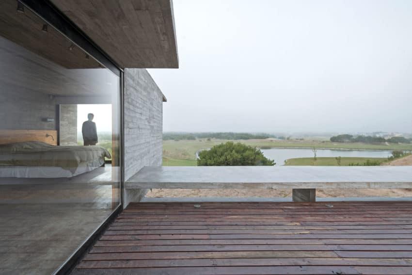 Golf House by Luciano Kruk Arquitectos (6)