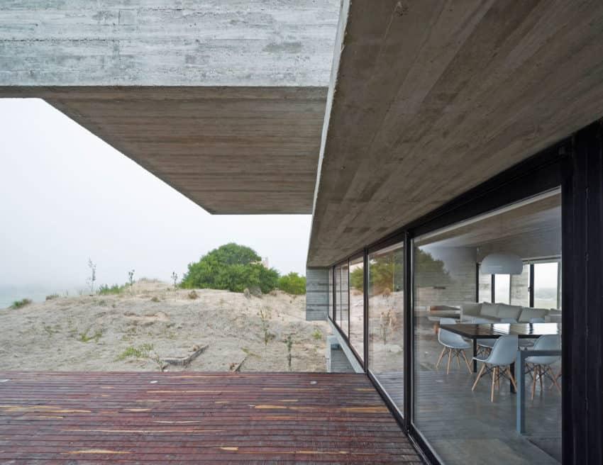 Golf House by Luciano Kruk Arquitectos (7)