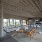 Golf House by Luciano Kruk Arquitectos (8)