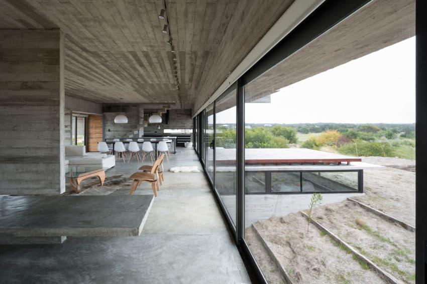 Golf House by Luciano Kruk Arquitectos (9)