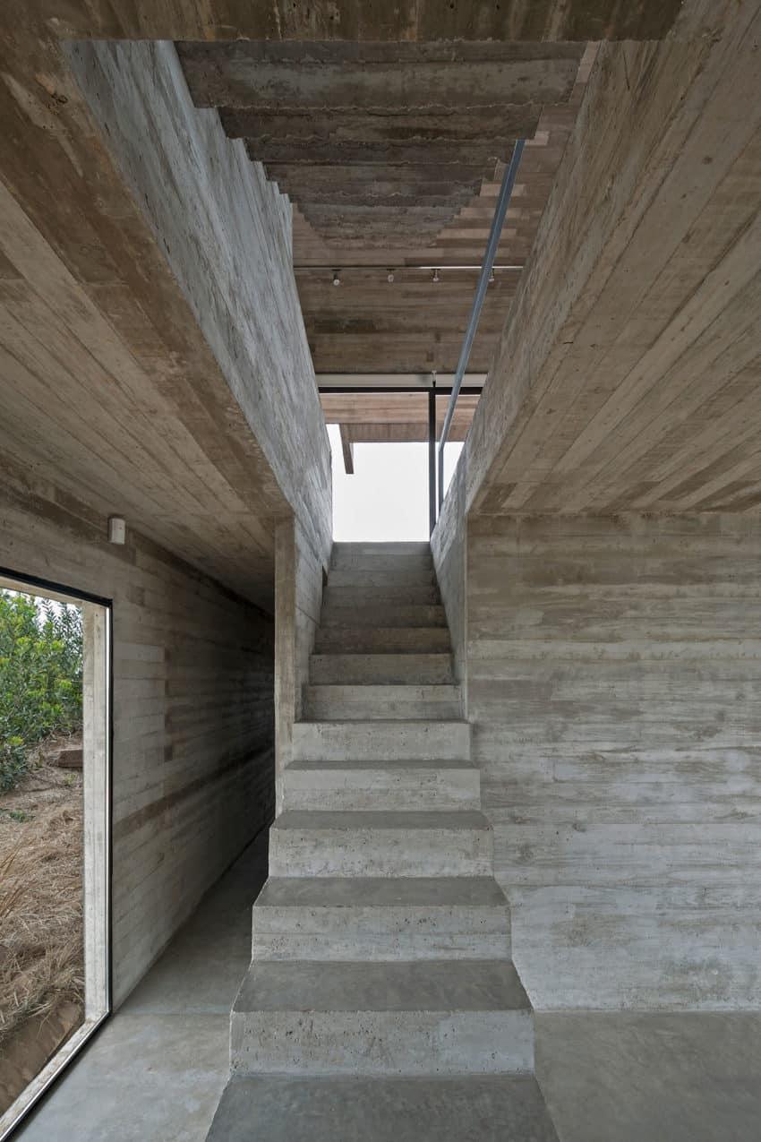 Golf House by Luciano Kruk Arquitectos (10)