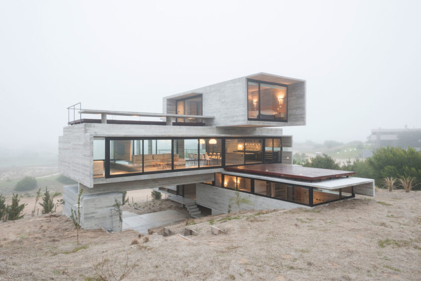 Golf House by Luciano Kruk Arquitectos (13)