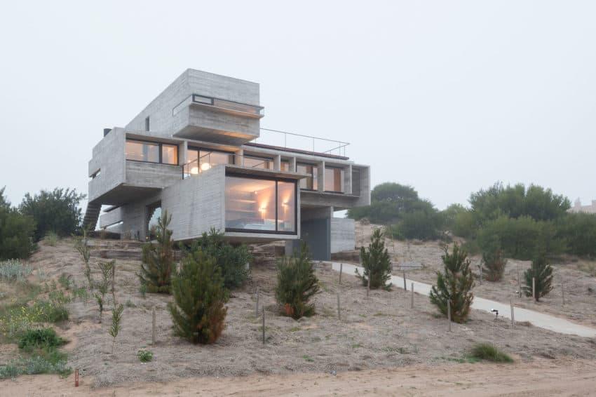 Golf House by Luciano Kruk Arquitectos (14)