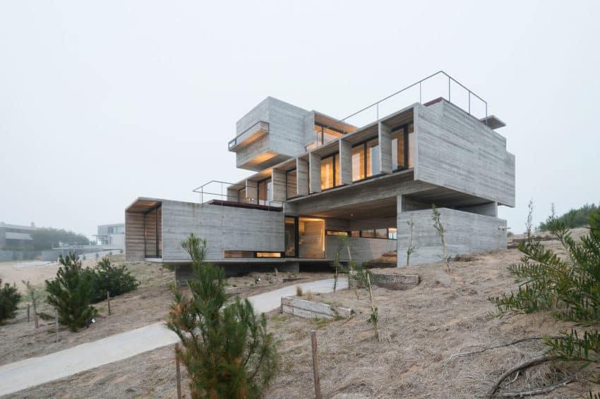 Golf House by Luciano Kruk Arquitectos (15)