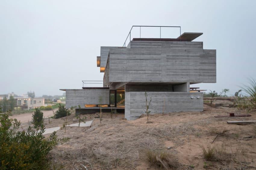 Golf House by Luciano Kruk Arquitectos (16)