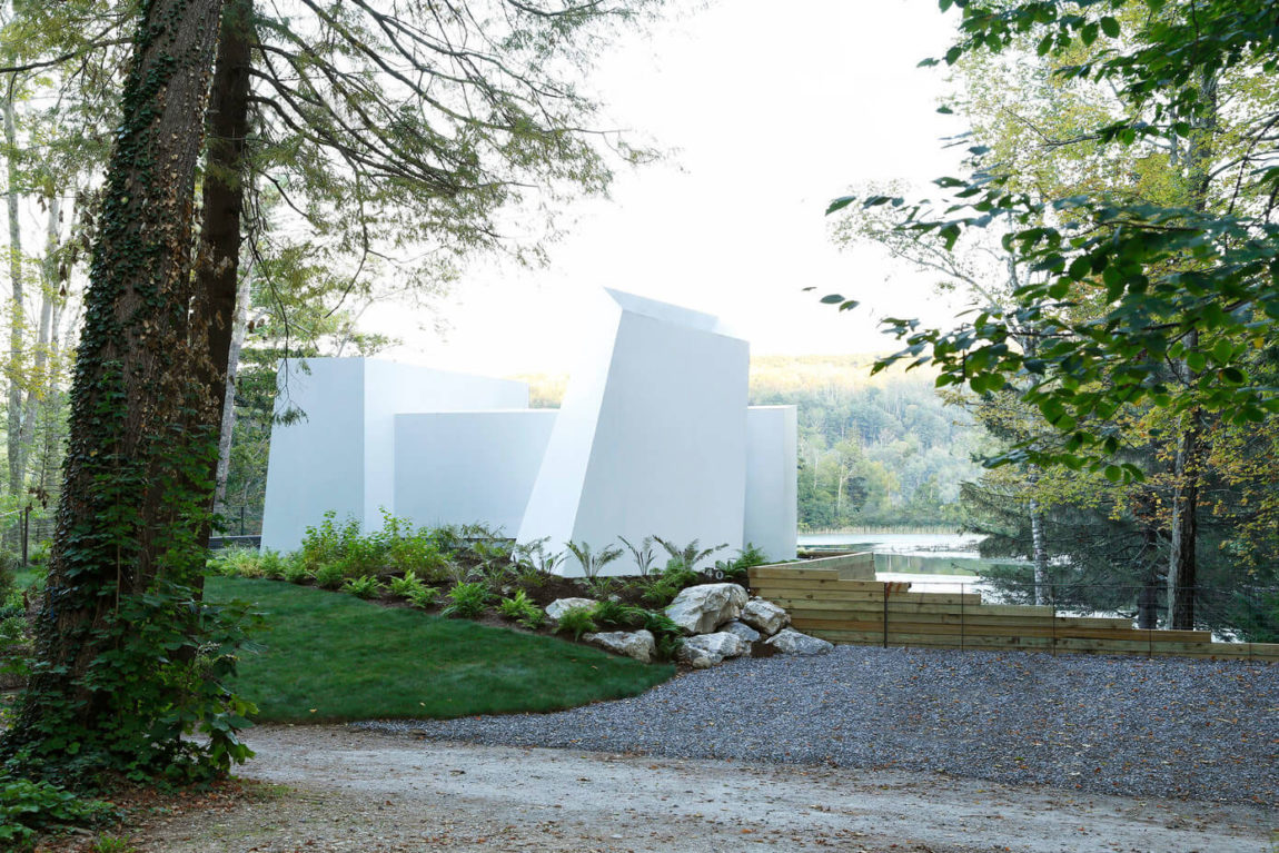 Lake House by Taylor and Miller Architecture (9)