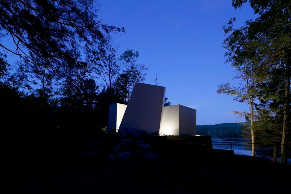Lake House by Taylor and Miller Architecture (25)