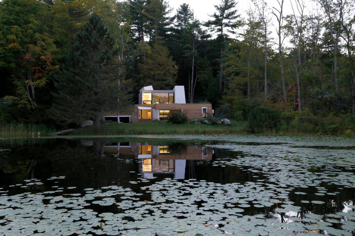 Lake House by Taylor and Miller Architecture (27)