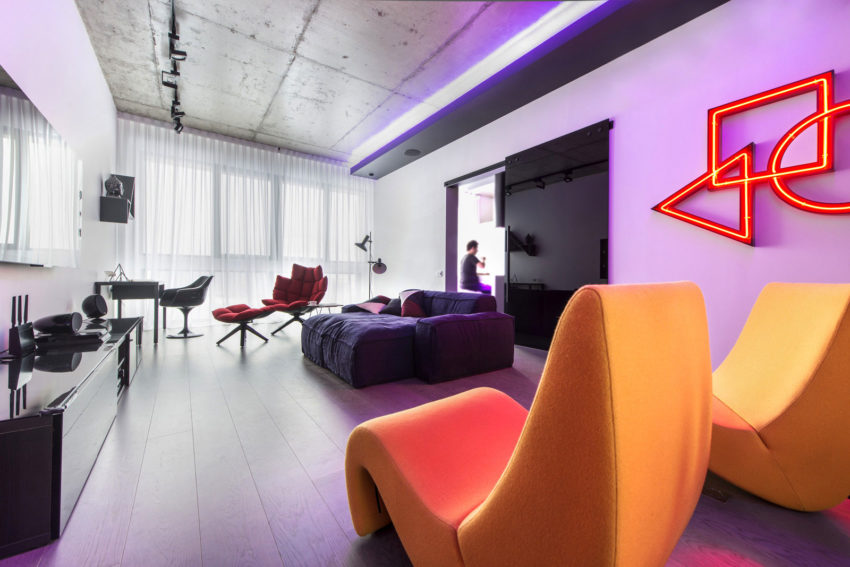 Neon Apartment in Moscow by Geometrix Design (8)