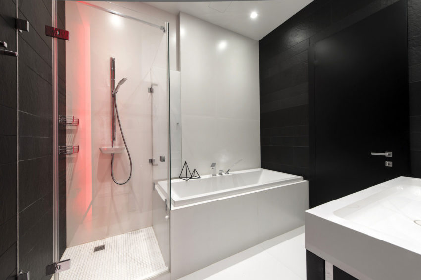Neon Apartment in Moscow by Geometrix Design (23)