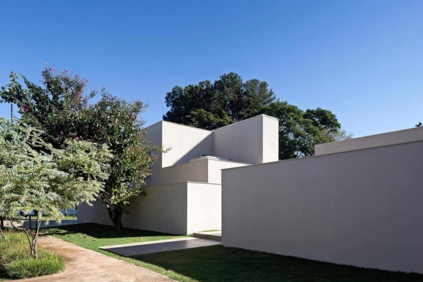 Paineira House by Bloco Arquitetos (3)