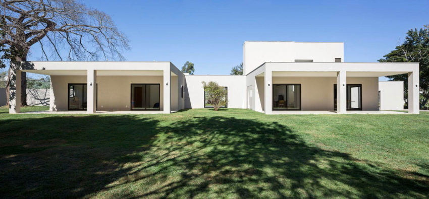 Paineira House by Bloco Arquitetos (9)