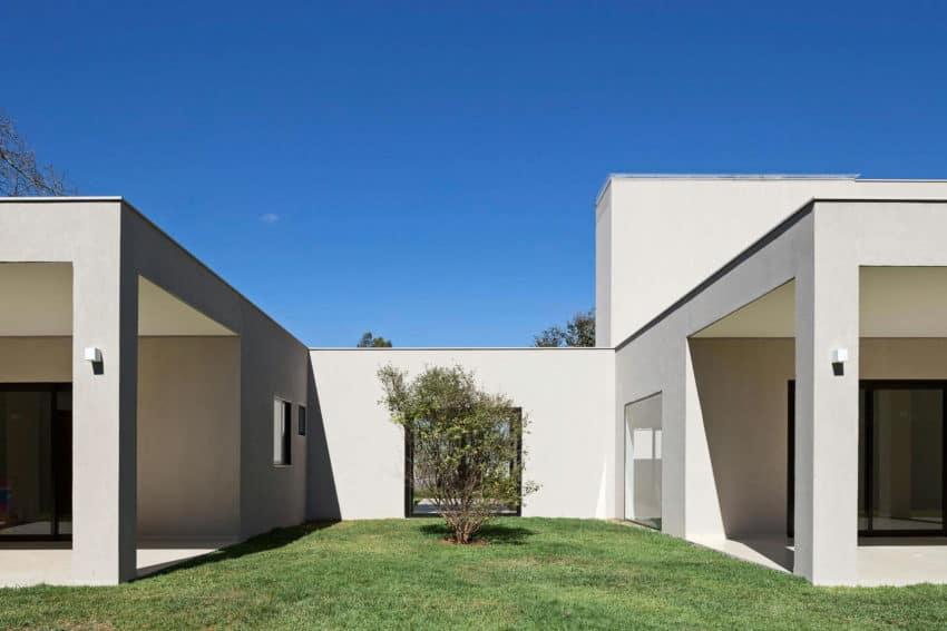 Paineira House by Bloco Arquitetos (10)