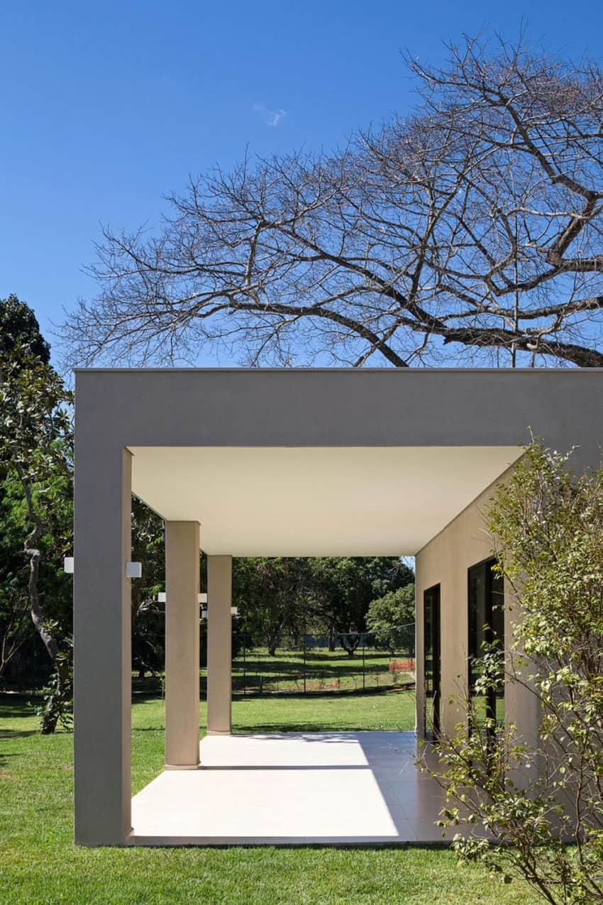 Paineira House by Bloco Arquitetos (11)