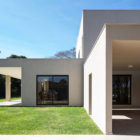 Paineira House by Bloco Arquitetos (15)