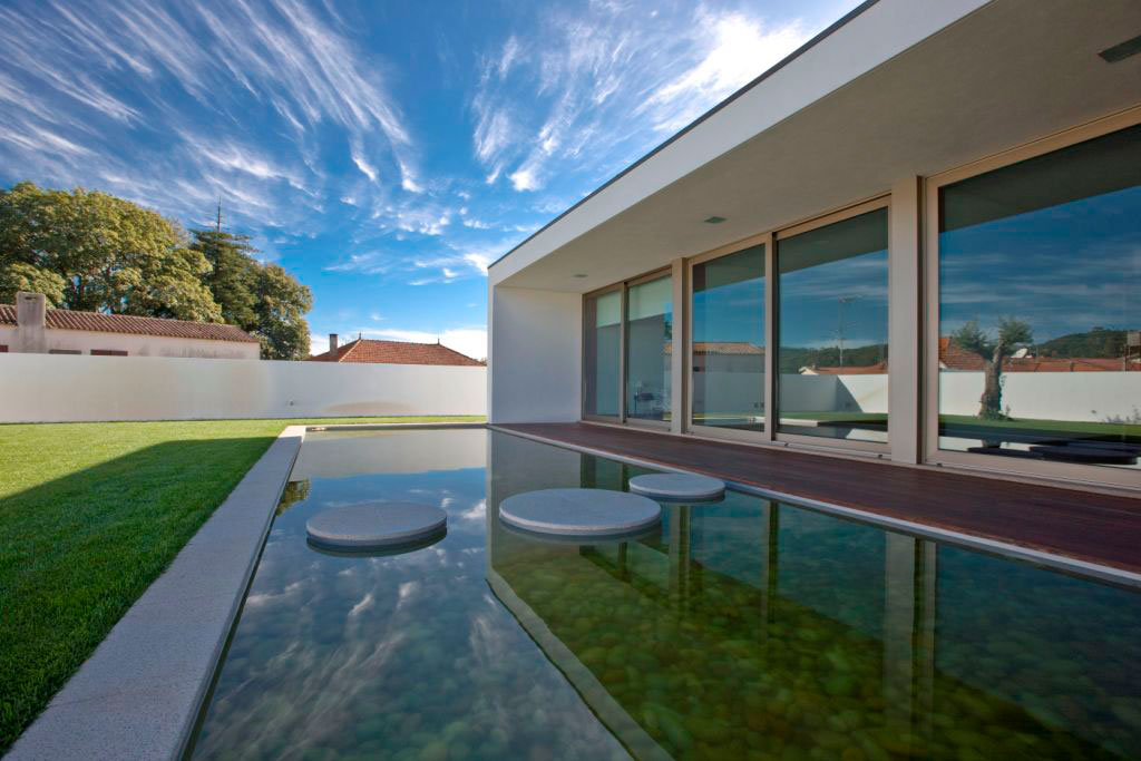 SG House by J. A. Lopes da Costa (5)