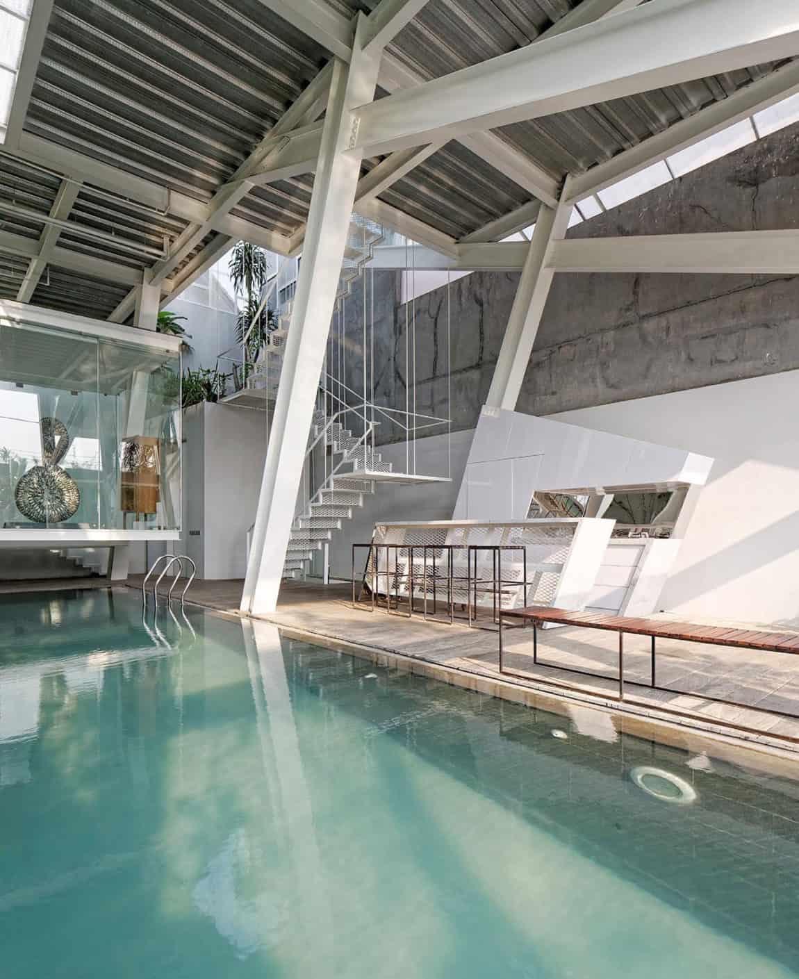 Slanted House by Budi Pradono Architects (13)