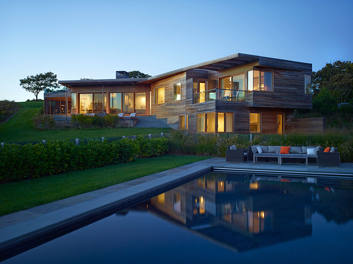 Charles Rose Architects Design a Farm House on Martha's Vineyard