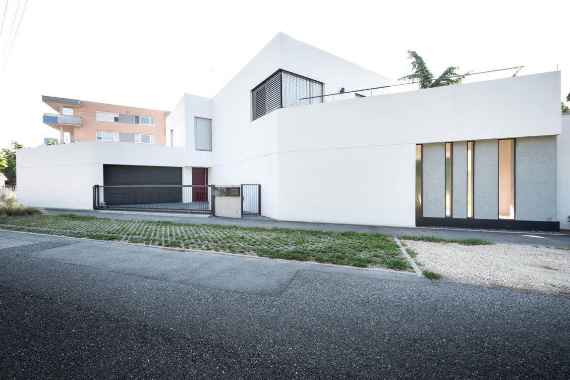 White Cubes House by at26 architecture & design (2)