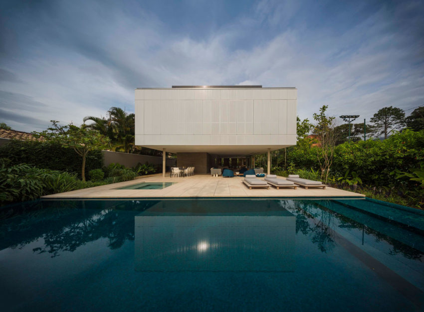White House by Studio MK27 & Eduardo Chalabi (3)
