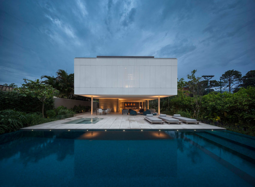 White House by Studio MK27 & Eduardo Chalabi (31)