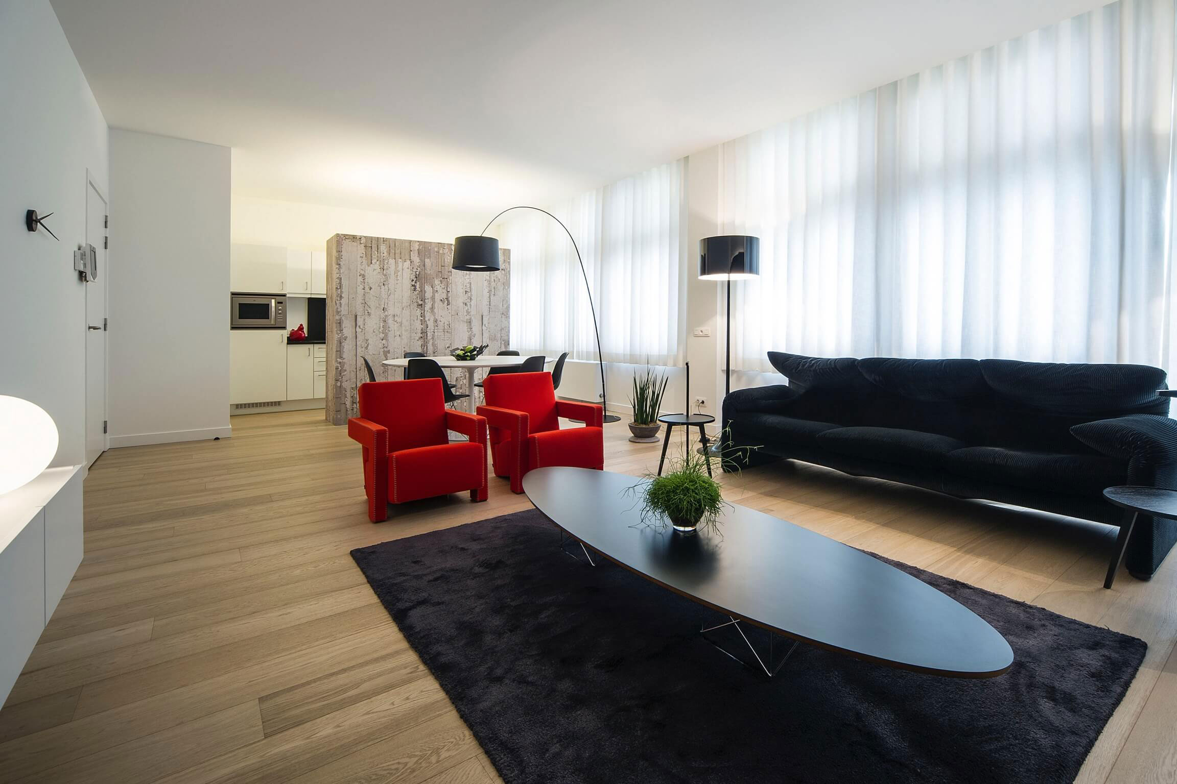 filip deslee designs a contemporary apartment in mortsel. Black Bedroom Furniture Sets. Home Design Ideas