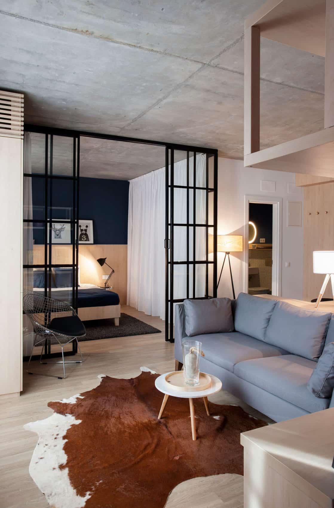 Apartment No. 3 by Bogdan Ciocodeică & Diana Roşu (2)