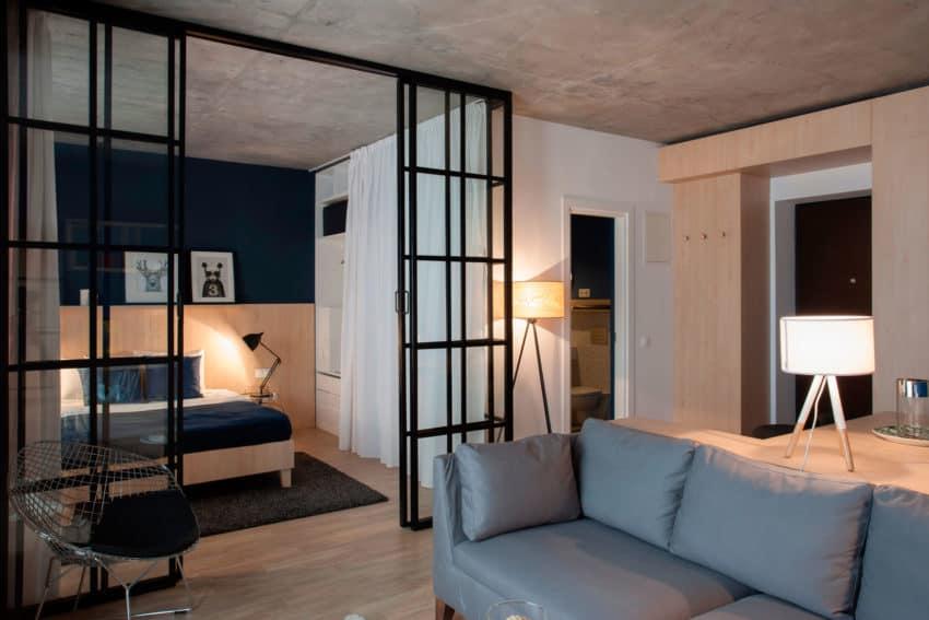 Apartment No. 3 by Bogdan Ciocodeică & Diana Roşu (3)