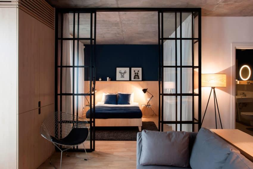 Apartment No. 3 by Bogdan Ciocodeică & Diana Roşu (5)