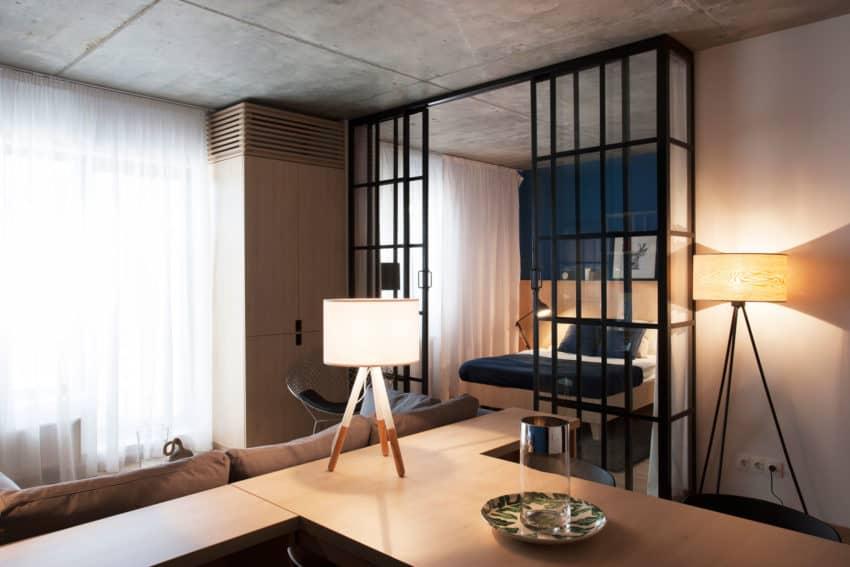 Apartment No. 3 by Bogdan Ciocodeică & Diana Roşu (7)
