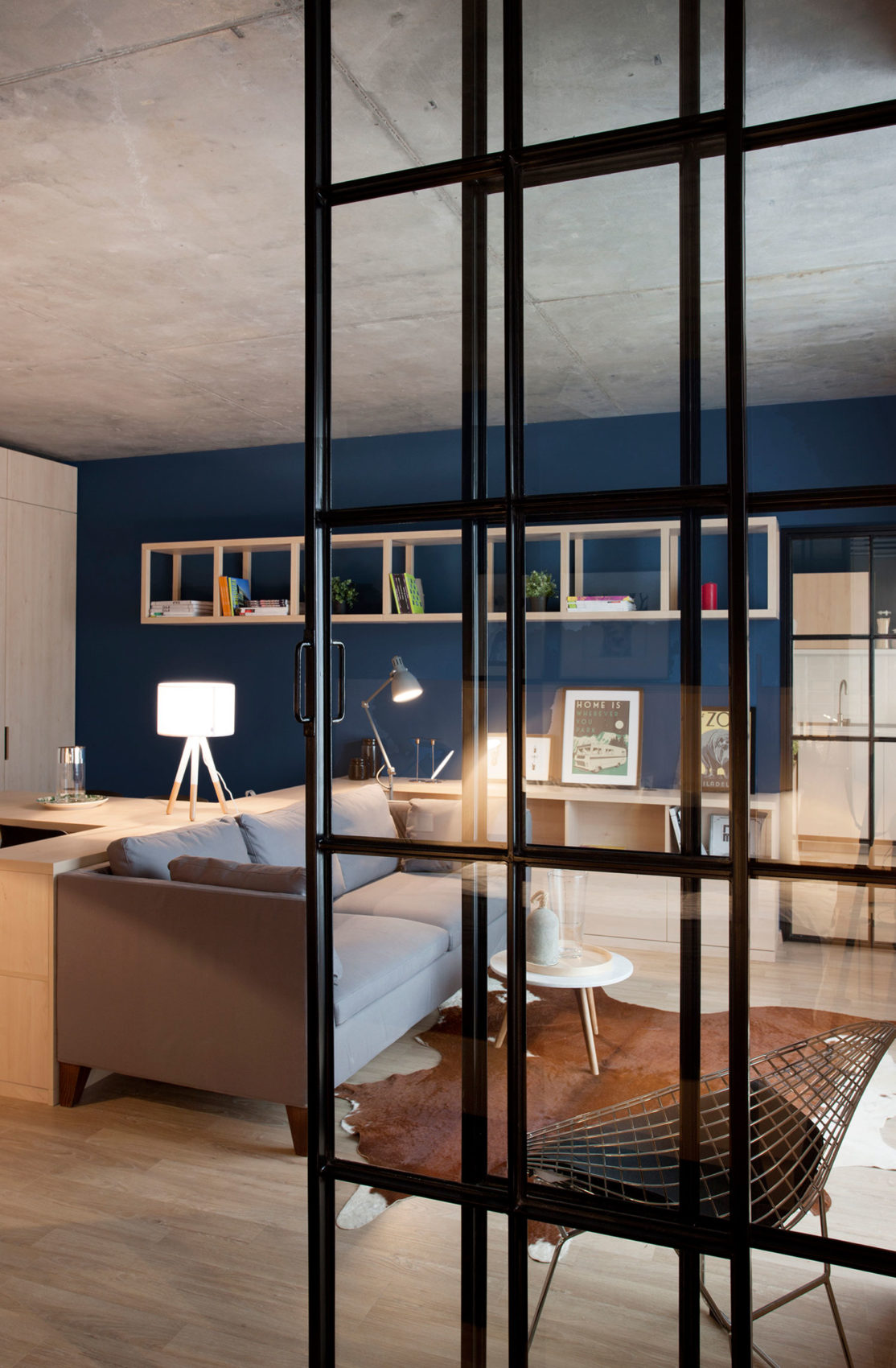 Apartment No. 3 by Bogdan Ciocodeică & Diana Roşu (16)