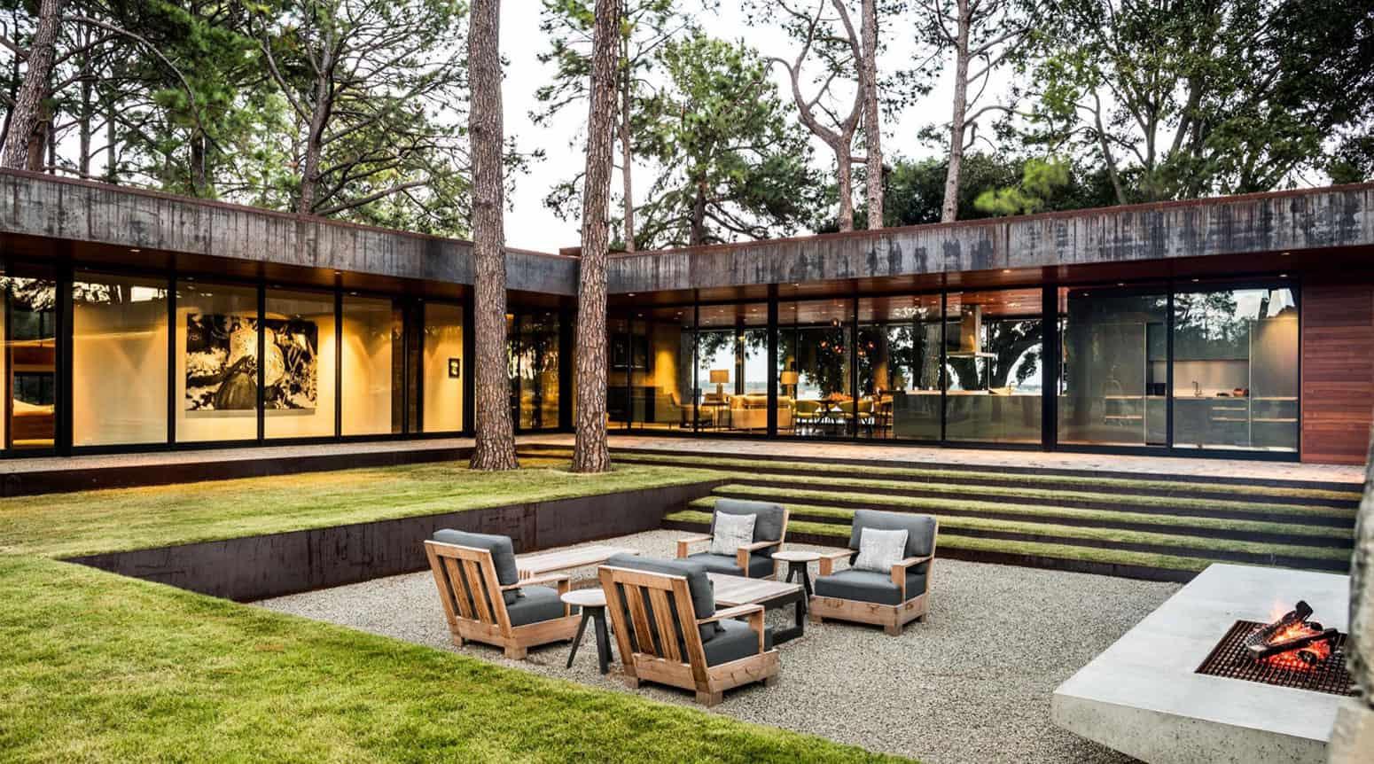 Wernerfield Designs a Contemporary Home Hidden Away in the Cedar ...