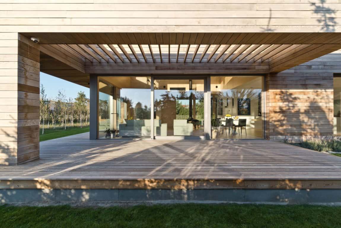 Cedar House by Mariusz Wrzeszcz Office (2)