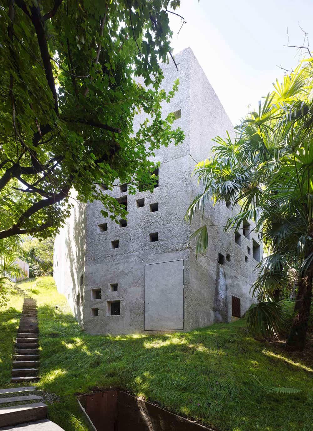 Concrete House in Caviano by Wespi de Meuron Romeo Arch (3)