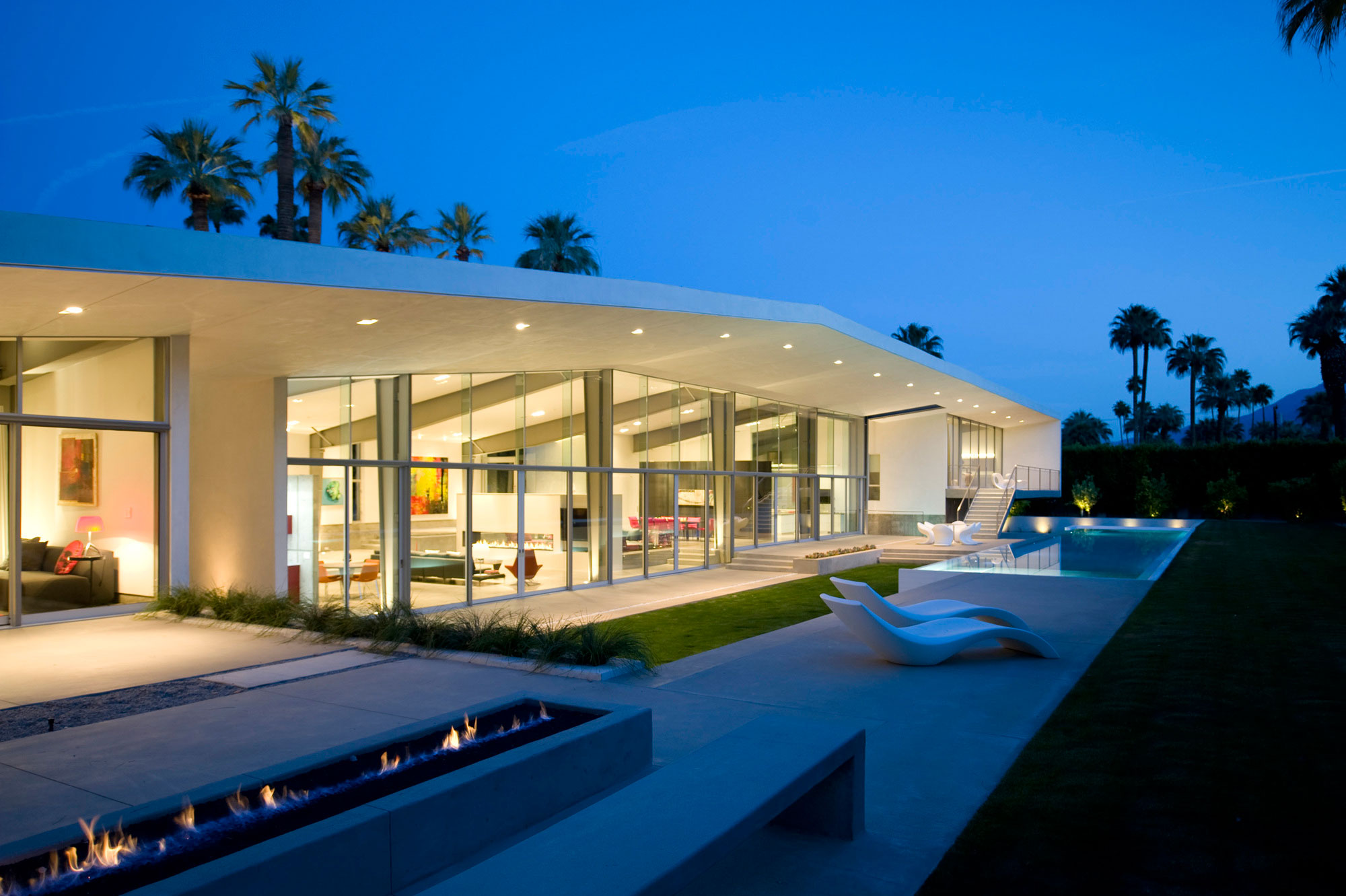 A Luxurious and Elegant Private Residence in Palm Springs, California