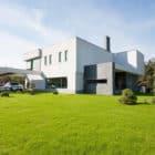 H 01 by Azovskiy & Pahomova architects (3)