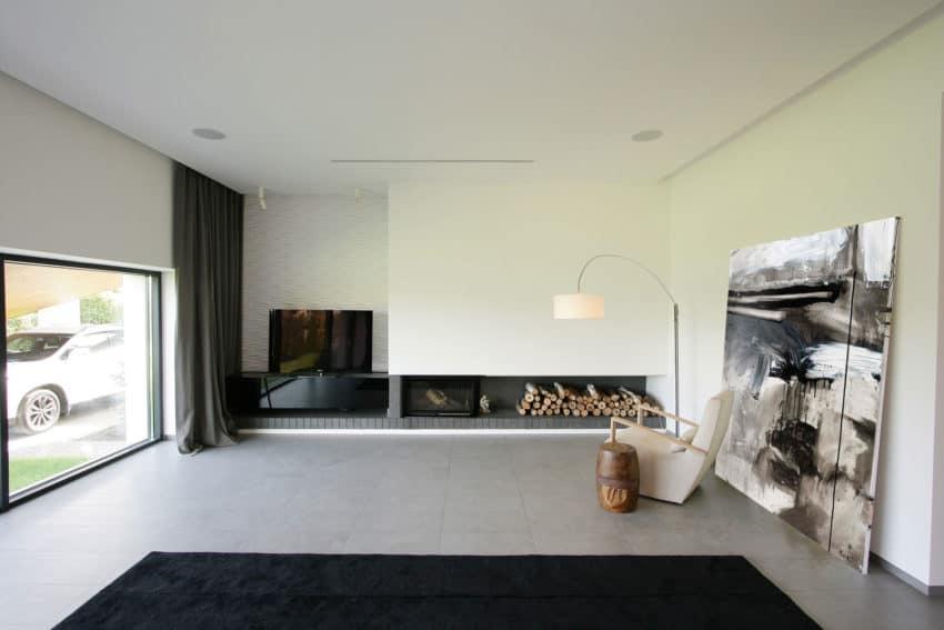 H 01 by Azovskiy & Pahomova architects (11)