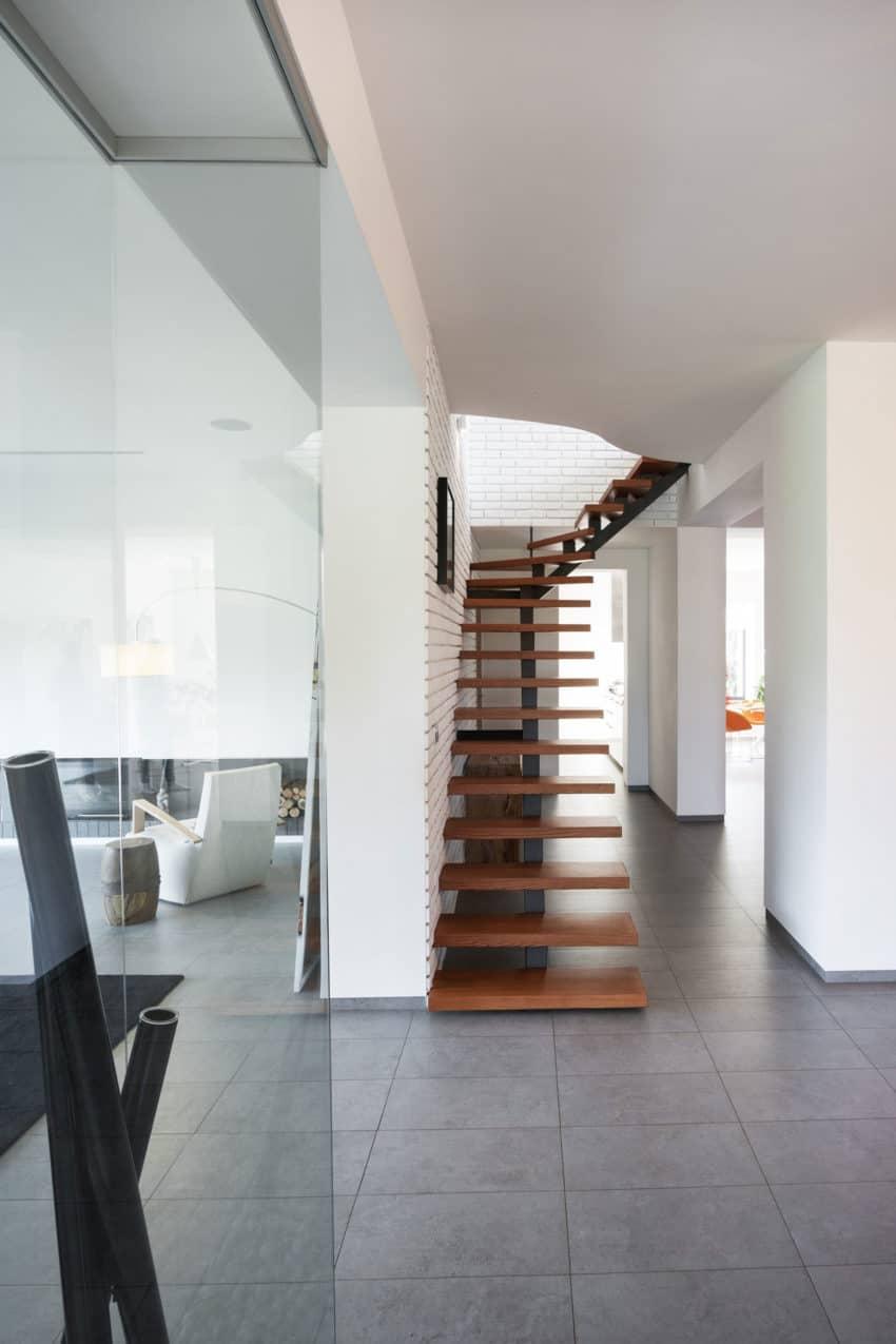 H 01 by Azovskiy & Pahomova architects (18)