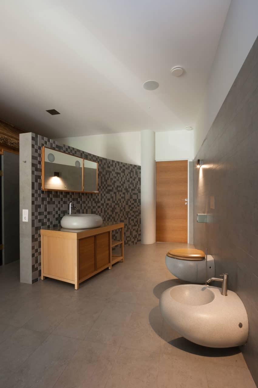 H 01 by Azovskiy & Pahomova architects (22)