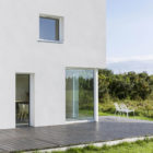 House for a Photographer by Studio Razavi Architecture (4)