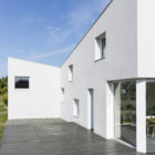 House for a Photographer by Studio Razavi Architecture (9)